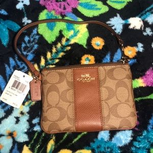 Small Coach Wristlet IM/Khaki/Saddle F52860